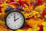 Zmiana czasu z letniego na zimowy – sprawdź, dlaczego jest niekorzystna dla zdrowia. Jakie objawy możemy odczuwać przy zmianie czasu?