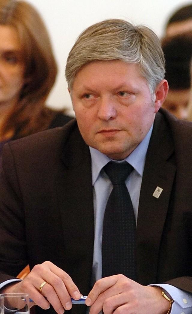 - Potrzebujemy spokojnego dialogu, a nie wymuszeń - mówi burmistrz Jasła Andrzej Czernecki.