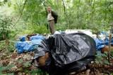 Kujawsko-Pomorskie. Śmieciarze w lasach pod Toruniem. Szokujące zdjęcia! Nawet 5 tys. zł kary za takie zachowanie!