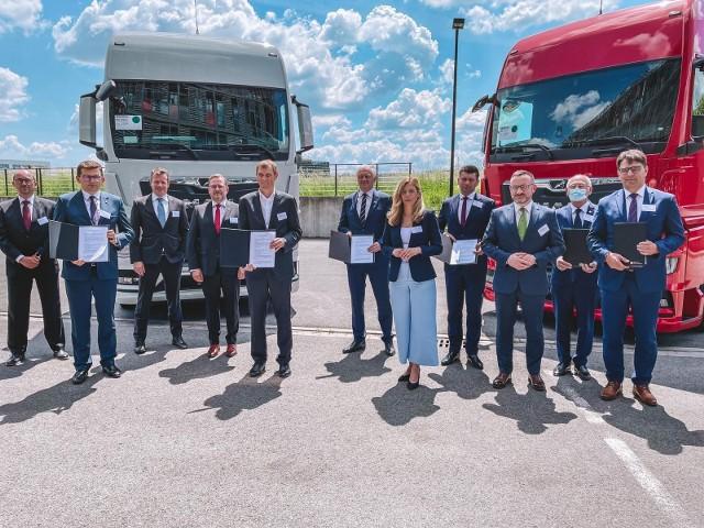 List intencyjny w sprawie rozbudowy fabryki MAN-a w Niepołomicach podpisano 10 czerwca 2021 w Krakowskim Parku Technologicznym