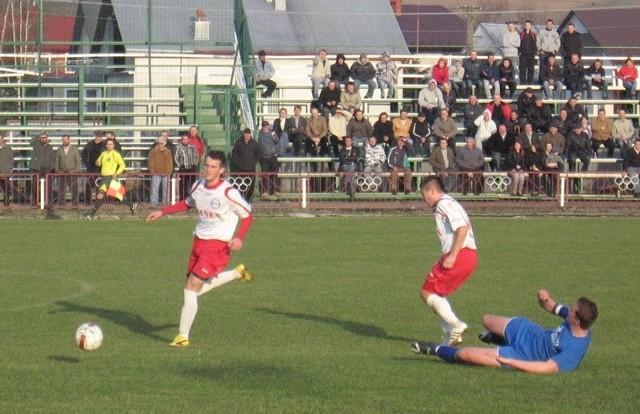 Strumyk (na biało-czerwono) dwukrotnie prowadził, ale ostatecznie przegrał w Kańczudze.