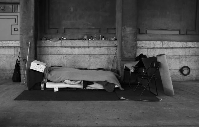We Włocławku z wychłodzenia zmarł bezdomny mężczyzna
