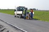 Droga Płonczyn - Zakrzewo w gminie Wielgie będzie jak z żurnala. Zostały już tylko ostatnie prace.