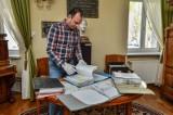 Były minister spraw zagranicznych przekazał Muzeum Dyplomacji i Uchodźstwa Polskiego UKW cenne materiały archiwalne i pamiątki