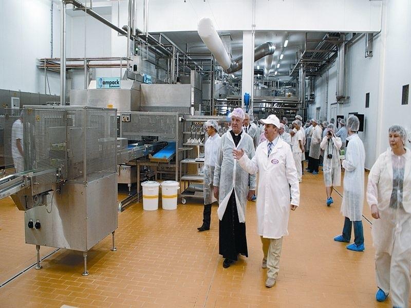 120 ton śmietany, kefirów i jogurtów schodzi codziennie z...