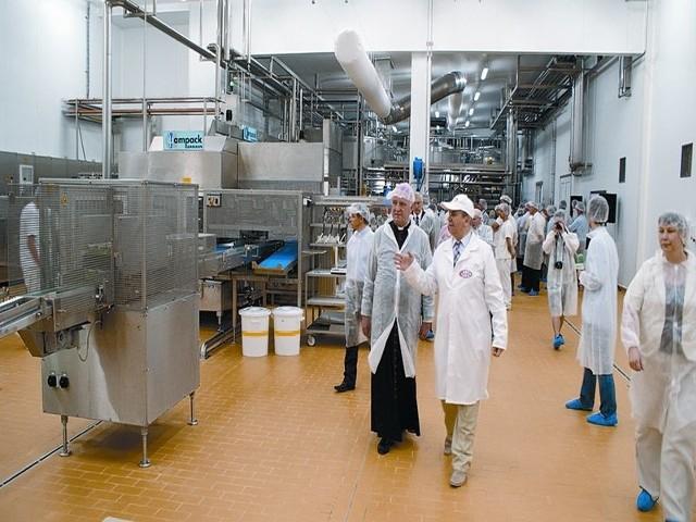 120 ton śmietany, kefirów i jogurtów schodzi codziennie z otwartej w piątek nowej fabryki wyrobów fermentowanych SM Mlekovita w Wysokiem Mazowieckiem.