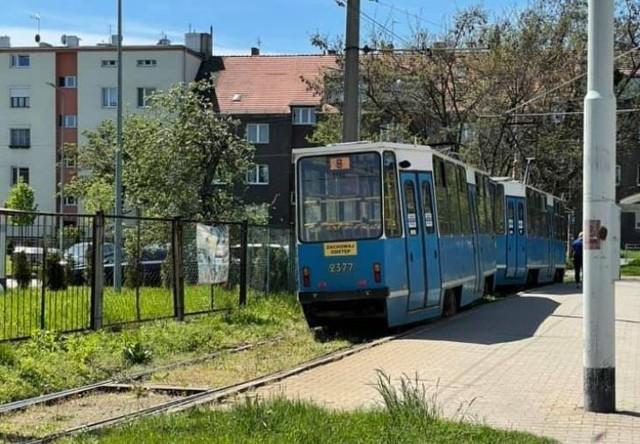 Na pętli na Tarnogaju wykoleił się tramwaj linii 8.