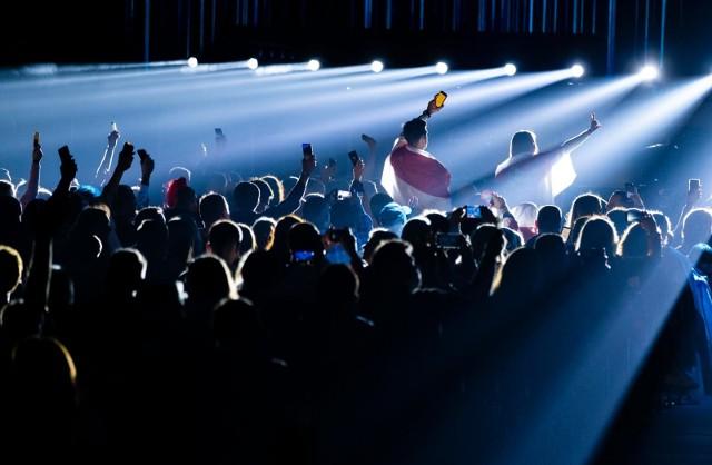 Eventim to jedna z największych firm sprzedających w Niemczech bilety na koncerty, liczy na to, że organizatorzy imprez będą mieli możliwość powiązania udziału w imprezie ze szczepieniem na COVID-19. WIĘCEJ NA KOLEJNYCH STRONACH>>>