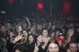 Koncert Dawida Kwiatkowskiego w klubie CK Wiatrak w Zabrzu. Juror programu The Voice Kids przyciągnął tłum fanek