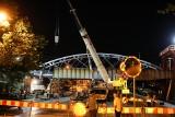 Kraków. Nocna rozbiórka mostu kolejowego nad Wisłą [ZDJĘCIA]