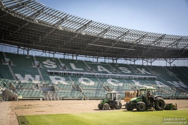 Ostatnio nawierzchnia boiska Stadionu Wrocław była wymieniana w 2016 r.