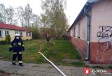 Mężczyzna zginął w pożarze. Zapalił się budynek socjalny w Skawinie, obiekt grozi zawaleniem