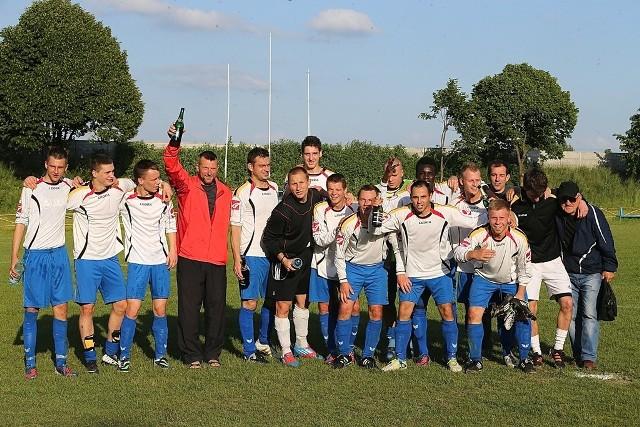 Piłkarze Astry wywalczyli awans do III ligi.