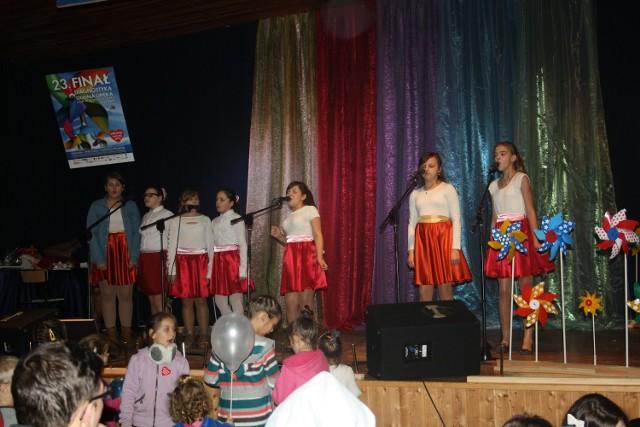 Podczas finału WOŚP w gminie Sławno, który zorganizowano w świetlicy w Warszkowie, zebrano 14 tysięcy złotych.