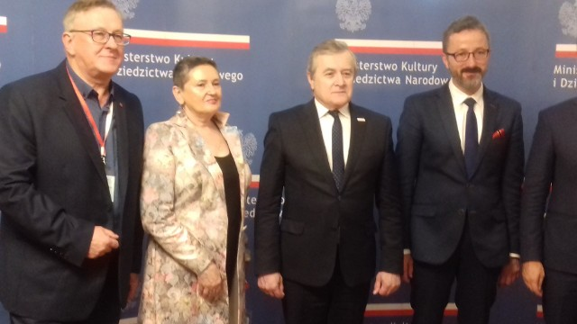 Od lewej: Zbigniew Macias, Grażyna Posmykiewicz, Piotr Gliński i Krzysztof Piątkowski