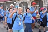 Piesza pielgrzymka wyruszyła z Tarnowa na Jasną Górę. Pątnicy przemierzają trasę w formie sztafety [ZDJĘCIA]