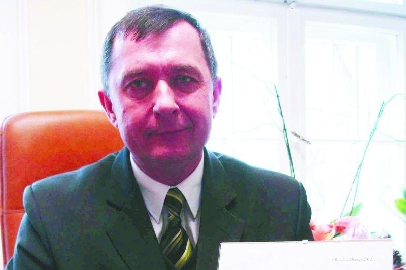 – Dostaliśmy z żoną pismo z informacją o przyznaniu nam odznaczenia i to nam wystarczy. Za odznakę nie zamierzamy płacić – mówi Antoni Polkowski, były żołnierz, a obecnie wójt gminy Ełk.