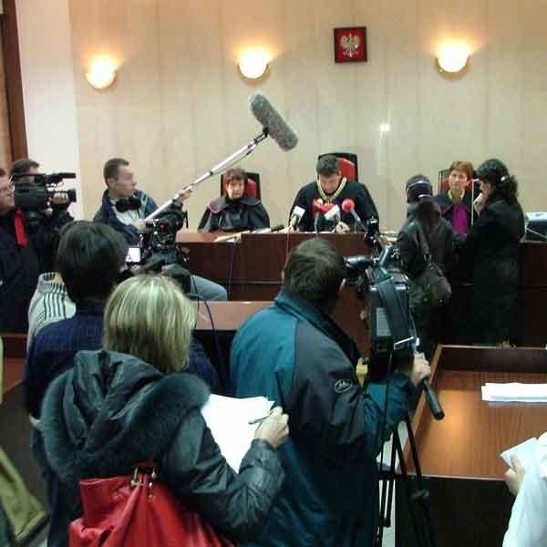 Na ogłoszenie wyroku czekało kilkunastu dziennikarzy