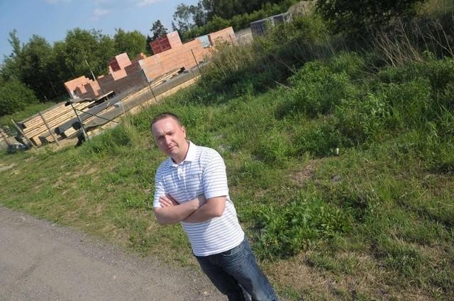 Tomasz Skoczeń chce budować dom. Ma nadzieję, że prawo budowlane jednak się zmieni.