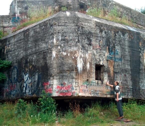 Pozostałości po Wale Pomorskim stanowią nie lada atrakcję turystyczną i są chętnie odwiedzane przez miłośników militariów z kraju i za granicy. – W każde wakacje buszuję po bunkrach, choćby kilka dni – zapewnia Andrzej Nadolny, wielki miłośnik militariów.