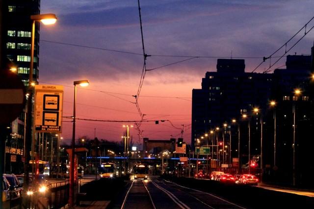 Ostrzeżenie meteorologiczne dla Wrocławia. W ciągu weekendu będą miejsca w mieście, gdzie temperatura w nocy nie spadnie poniżej 20 kresek!