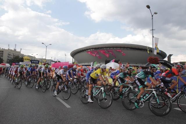 Kolarze ścigający się w Tour de Pologne od 2010 roku goszczą w KatowicachZobacz kolejne zdjęcia. Przesuwaj zdjęcia w prawo - naciśnij strzałkę lub przycisk NASTĘPNE