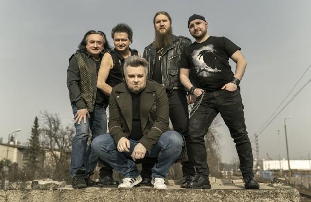 14 kwietnia ukazała się najnowsza studyjna płyta formacji Kruk. Zrealizowana została wspólnie z Wojtkiem Cugowskim