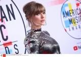 American Music Awards 2018 ZDJĘCIA Taylor Swift wyprzedziła Whitney Houston, nagroda dla tragicznie zmarłego rapera XXXTentacion LAUREACI