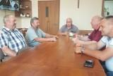 """W Strzelcach ma powstać ogromna ferma drobiu. Mieszkańcy gminy Oleśnica mówią stanowczo: """"Nie!"""""""