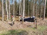 Dachowanie pod Trzebieżą. Rannego kierowcę ratowała załoga lotniczego pogotowia ratunkowego
