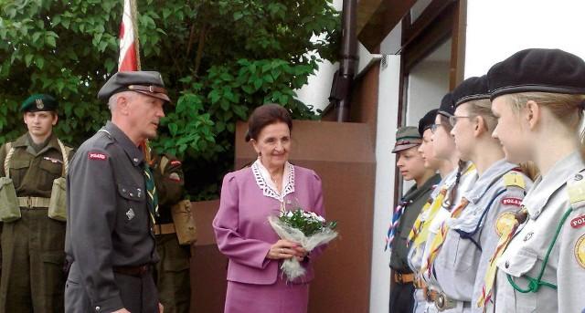 Z harcerzami w Skawinie spotkała się m.in. Karolina Kaczorowska. Obok komendant Kazimierz Dymanus