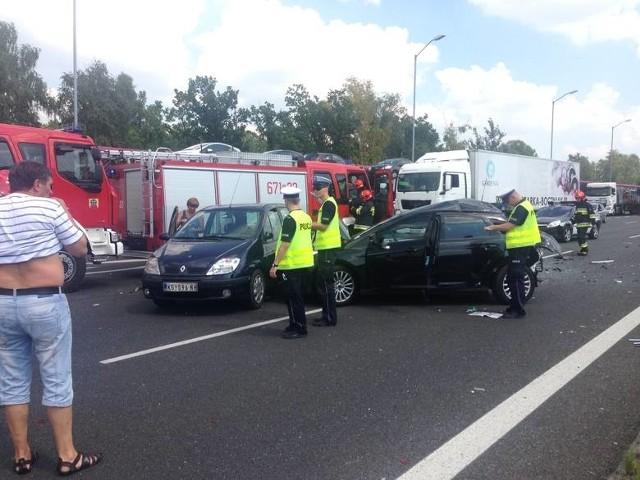 DZ24: Karambol na A4 w Rudzie Śląskiej. Wypadek z rannymi [WIDEO ZDJĘCIA] Korek ma 10 km - Internauta Michał