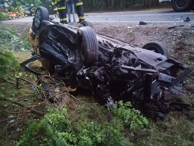 Poważny wypadek na drodze krajowej w gminie Wyśmierzyce.