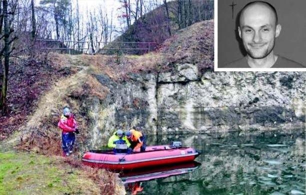 Poszukiwania grupy nurków, których o pomoc poprosiła rodzina Artura Jaklika, trwały dwa dni. W końcu udało się znaleźć ciało zaginionego mężczyzny. Rozpoznała je żona i ojciec