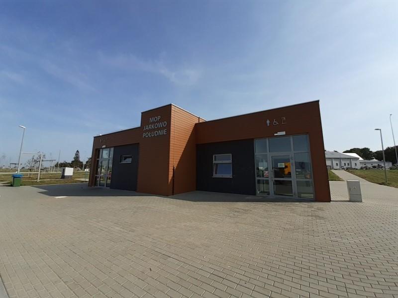Podpisano umowy na dzierżawę Miejsc Obsługi Podróżnych (MOP) Jarkowo na drodze ekspresowej S6 między węzłami Kiełpino i Kołobrzeg Zachód.
