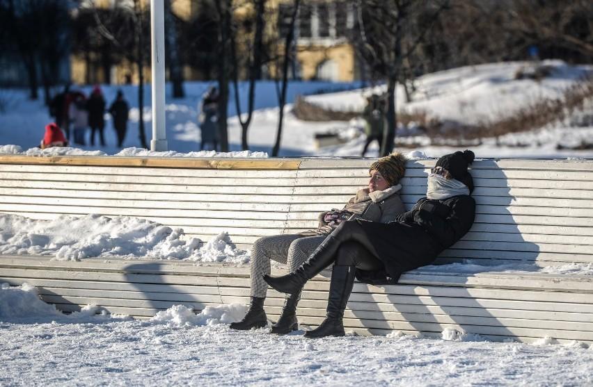 Według ostatnich badań CBOS, papierosy w Polsce pali co...