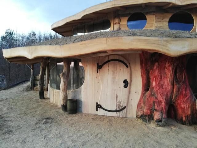 Bajeczna chata powstaje w Babicach niedaleko Przemyśla.
