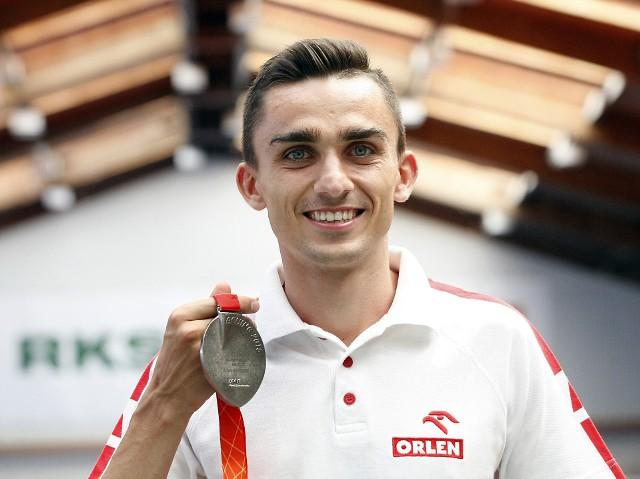 Adam Kszczot powiększa kolekcję medali