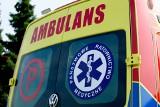Tragiczny wypadek w Róży. 33-latek został przygnieciony przez wózek widłowy. Mimo reanimacji mężczyzna zmarł