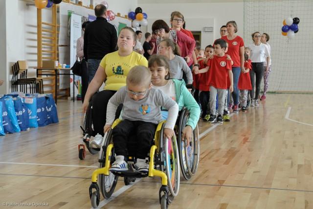 W zmaganiach sportowych udział wzięli zawodnicy z całego województwa.