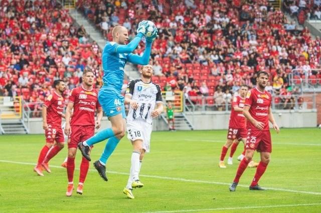 Piłkarze Sandecji chcą zmazać plamkę za porażkę z Widzewem 0:3. Czy uda im się to już w starciu z Górnikiem Polkowice?
