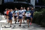 Asics chce edukować biegaczy. Mniejsza o wygląd, liczy się dopasowanie. 80 proc. trenujących ma źle dobrane buty