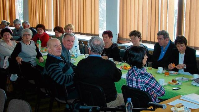 W spotkaniu seniorów w Proszowicach uczestniczył m. in. były burmistrz tego miasta Jan Makowski