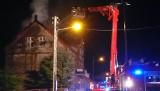 Płonęła kamienica w Otyniu. Strażacy szukali jednej osoby