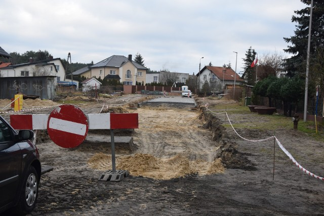 Dobiegają końca prace budowlane na ulicy Hetmańskiej w Zielonej Górze Przylepie. Mieszkańcy nie kryją zadowolenia. I cieszą się na następne budowy i modernizacje dróg. W budżecie miasta na 2021 rok zapisano blisko 800 tysięcy złotych na następne remonty dróg w tym sołectwie.