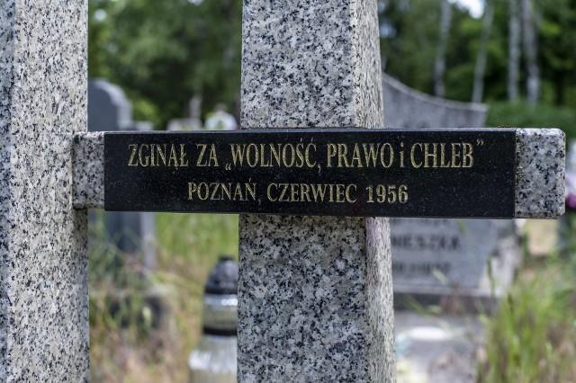 """Dzisiaj w Poznaniu rozpoczęto ogólnopolską akcję """"Światełko dla Czerwca '56""""."""