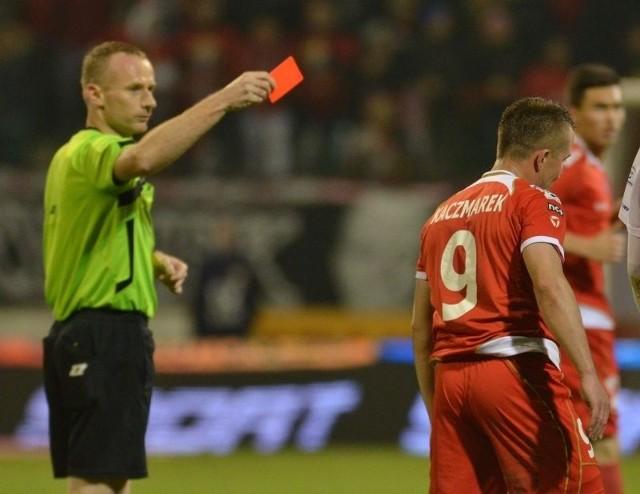 Marcin Kaczmarek w swoim 200. meczu w ekstraklasie zobaczył czerwoną kartkę.