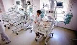 Nowe standardy na porodówkach od stycznia. Więcej opieki, mniej sztucznego mleka...