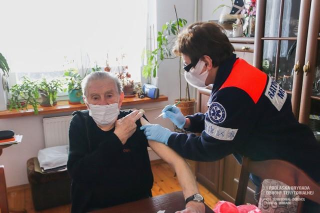 Terytorialsi wspierają kombatantów w szczepieniach przeciwko COVID-19.