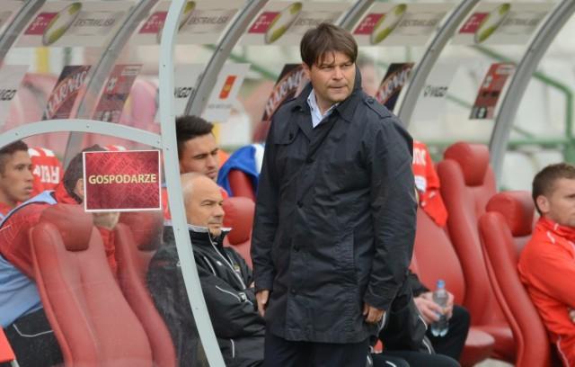 Trener Radosław Mroczkowski sprawdzi zdolnego napastnika